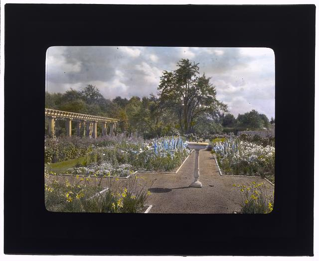 "[""Lake Terrace,"" John Stoughton Newberry, Jr., house, 99 Lake Shore Drive, Grosse Pointe Farms, Michigan. Pergola garden]"