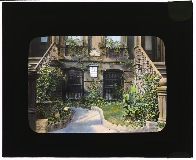 [Studio Italiano store, 638 Lexington Avenue, New York, New York. Entrance garden]