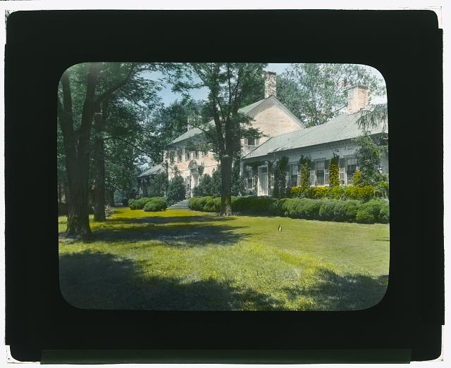 "[""Chatham,"" Colonel Daniel Bradford Devore house, 120 Chatham Lane, Fredericksburg, Stafford County, Virginia. West garden]"