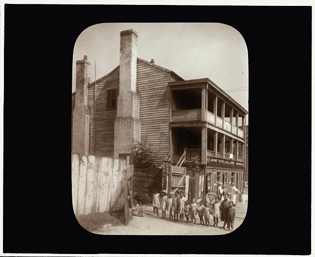[Old tavern, Brook Road, Richmond, Virginia]