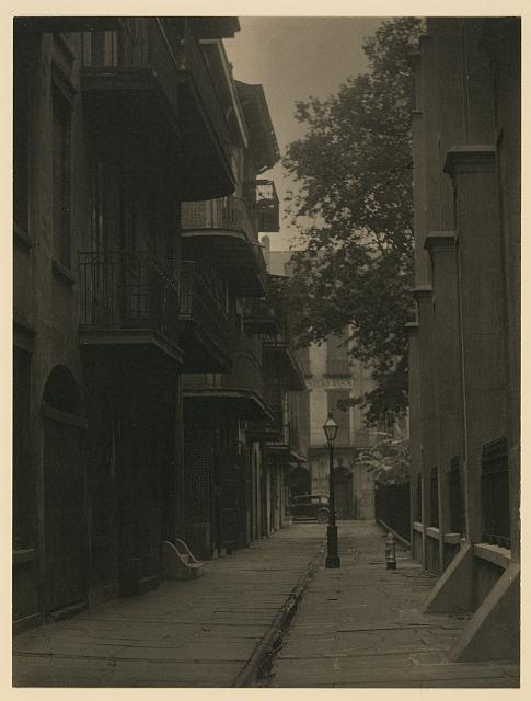 [An alley, in a city in the South, ca. 1930]