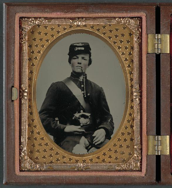 [Unidentified soldier in Union uniform with pipe]