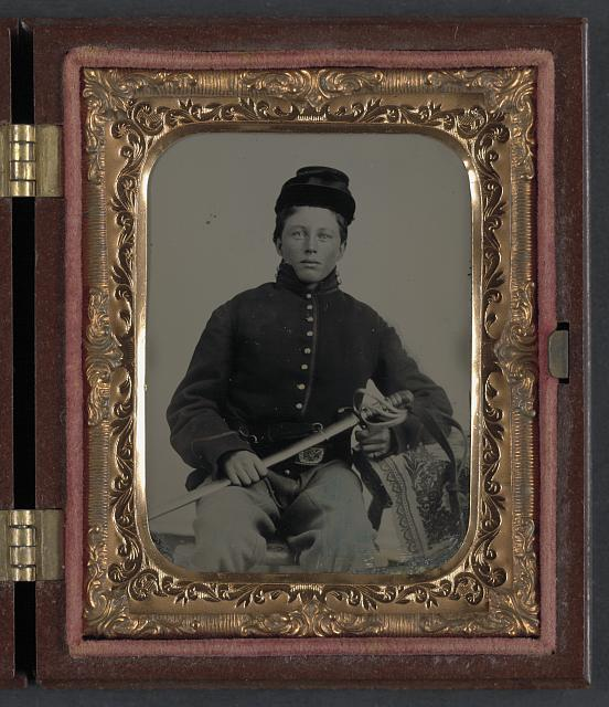 [Unidentified soldier in Union uniform with sword]