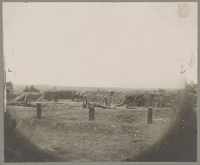 Petersburg, Va., battery on outer line Confederate entrenchment capt. June 15, 1865