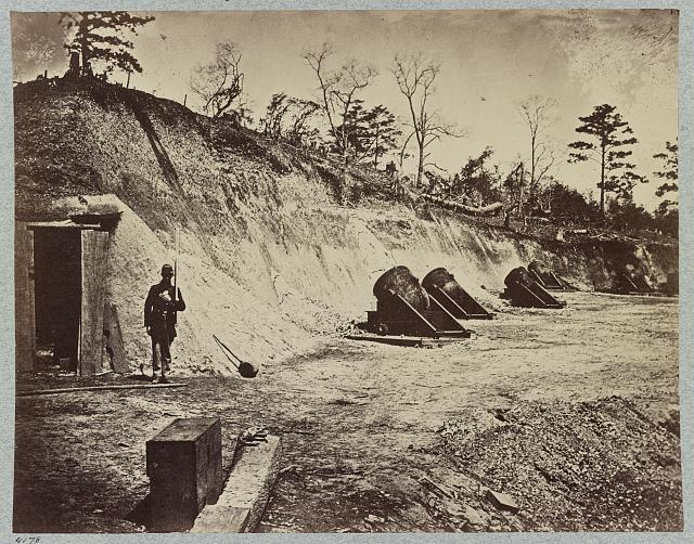 Siege of Yorktown, Va. Federal Battery No. 4 mounting ten 13 inch mortars