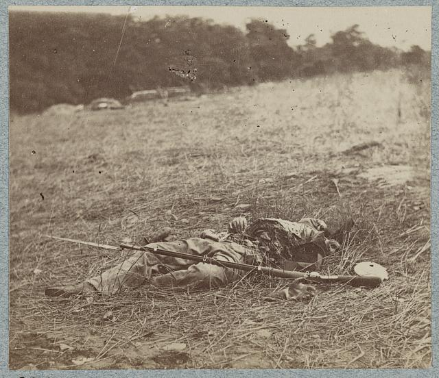 Federal soldier disembowelled by a shell