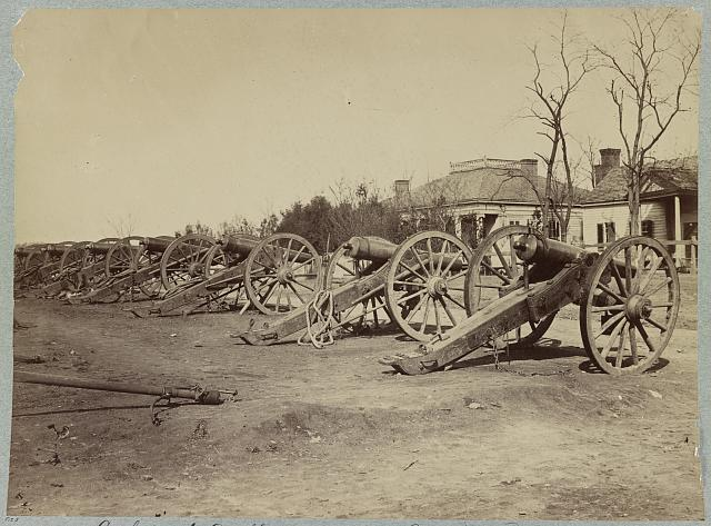 Confederate Artillery captured at Missouri (i.e. Missionary) Ridge headquarters Army of the Cumberland