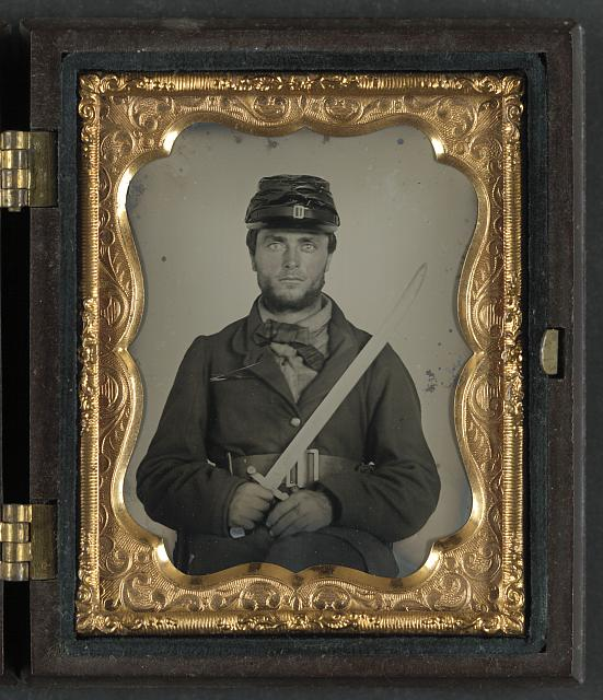 [Unidentified soldier in Union rifleman uniform with saber bayonet]