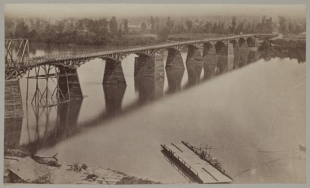 Army bridge across the Tennessee River at Chattanooga, L8121