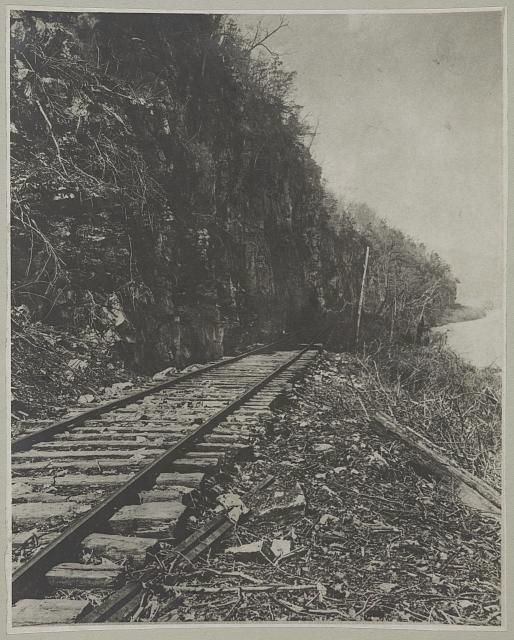 Chattanooga, Tenn. (vicinity) Nashville & Chattanooga railroad at foot of Lookout Mountain