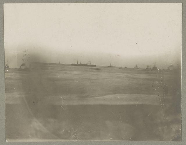 Hampton Roads, Va., fleet in squall, Dec. 1864