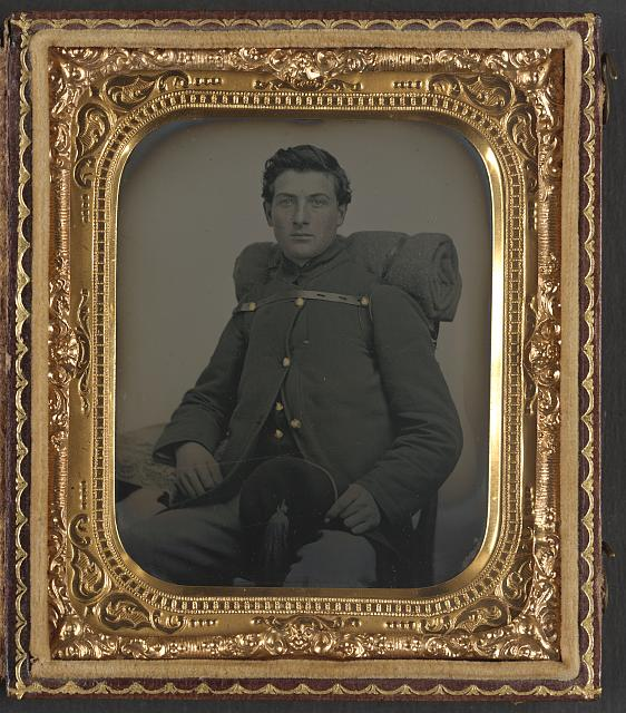 [Unidentified soldier in Union uniform with fez, backpack, and bedroll]