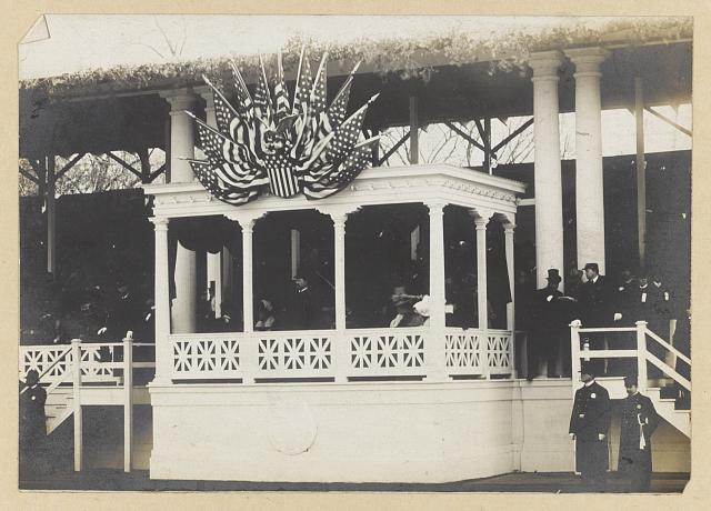 President Roosevelt reviewing inaugural parade March 4, 1905
