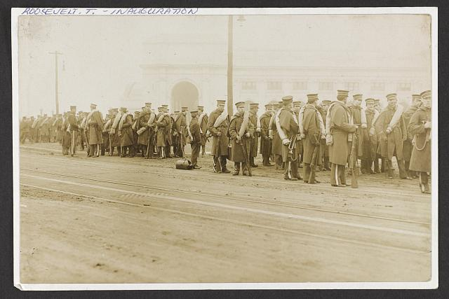 [Ohio National Guard lining up to march in President Roosevelt's inaugural parade, Washington, D.C.]