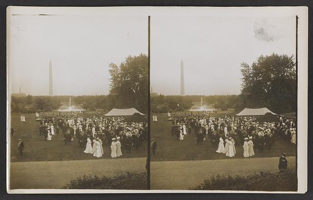 President Roosevelt's lawn party, on the White House Grounds, looking toward the Monument, Washington