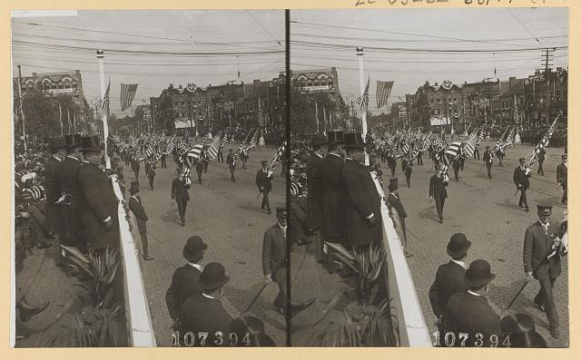 President Theodore Roosevelt, with the Mayor of Canton and the Gov. of Ohio, reviewing parade on McKinley Memorial Day, Canton, Ohio, Sept. 30, 1907