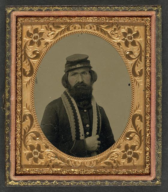 [Unidentified soldier in Union uniform with knitted stole]