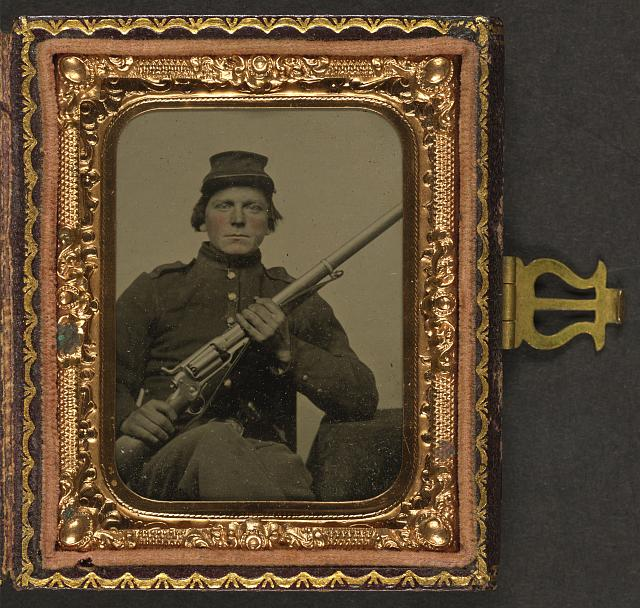 [Unidentified soldier in Union uniform with Colt Revolving Rifle Model 1855]
