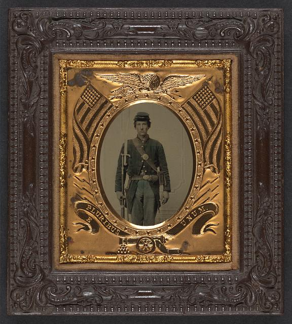 "[Unidentified soldier in Union uniform with musket, U.S. Model 1862 ""Zouave"" bayonet, cartridge box, and cap box]"