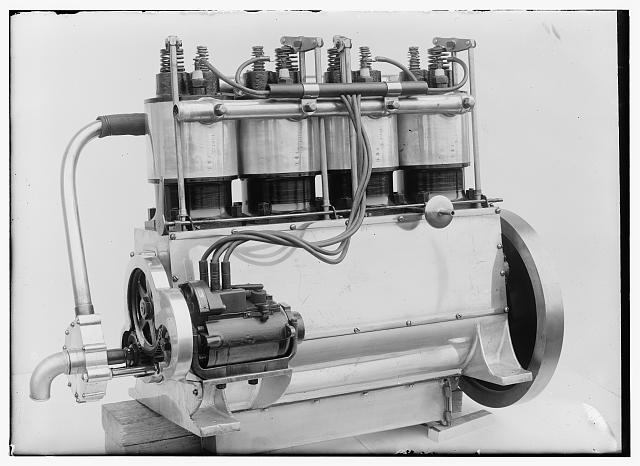 [Magneto side of the Wright four-cylinder motor used in 1911]