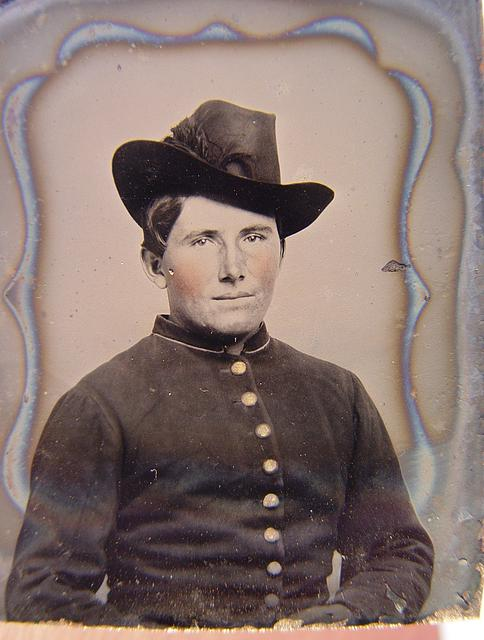 [Unidentified soldier in Union uniform and slouch hat]