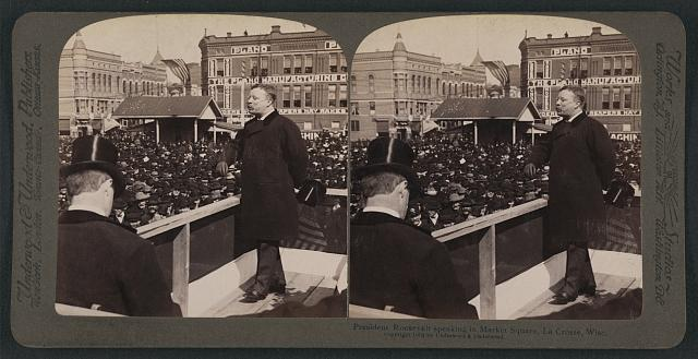 President Roosevelt speaking in Market Square, La Crosse, Wisc.