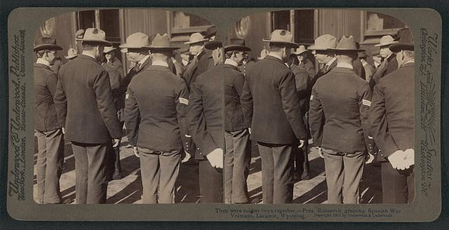 They were soldier boys together - Pres. Roosevelt greeting Spanish War veterans, Laramie, Wyoming