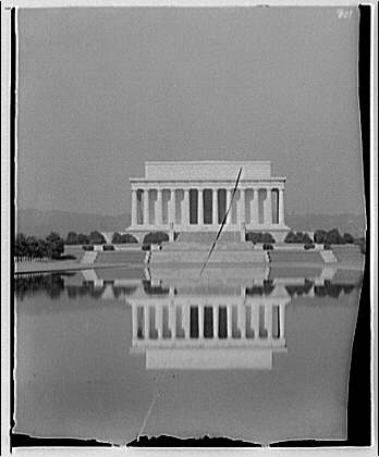 Lincoln Memorial. Early morning with Lincoln Memorial reflecting in water
