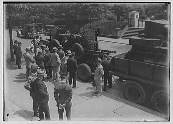Miscellaneous subjects. Armored vehicles in front of Old Executive Office Building IV