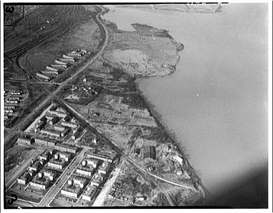 Potomac Electric Power Co. Alexandria plant. Aerial view of Alexandria plant site III