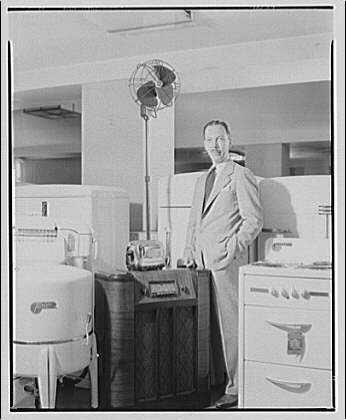Electric Institute of Washington, Potomac Electric Power Co. building. Mr. Bartlett with some electric equipment IV
