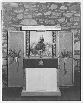 St. Mary's Episcopal Church. Children's altar
