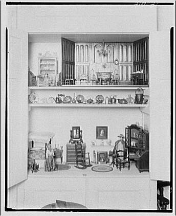Mrs. Bonsol, residence. Miniature furniture of Mrs. Bonsol VIII