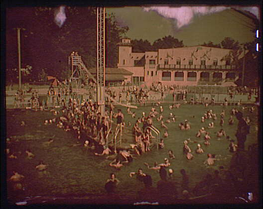Glen Echo amusement park. Swimming pool at Glen Echo