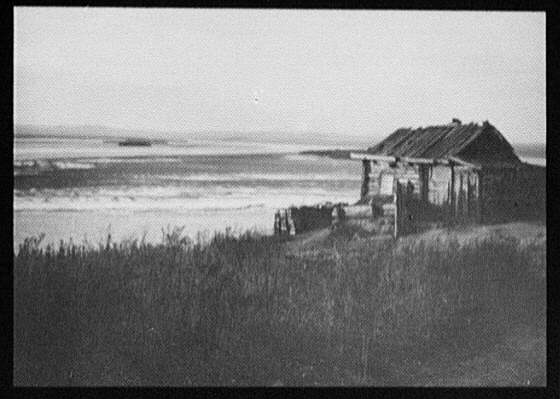 Cabin on the banks of the Ussuri River below Khabarovsk